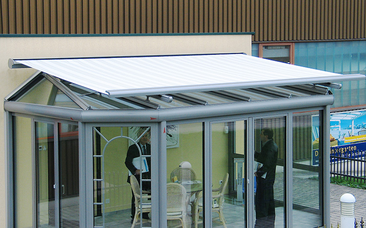 Conservatory shading TARGA PS6000 by STOBAG